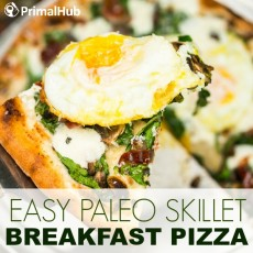 Easy Paleo Skillet Breakfast Pizza #paleo #breakfast #pizza #skillet #eggs